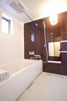 浴室乾燥機付きのお風呂になります。