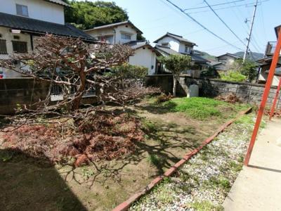 庭スペース。南に面していますので家庭菜園等にもぴったり♪