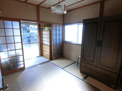 1階西側の和室です。