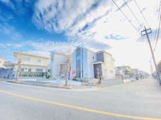 四街道市旭ケ丘 新築一戸建て 四街道駅 前面道路幅員が広い為、安心して駐車が可能です!
