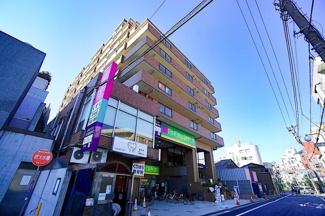 人気の鶴見駅まで徒歩15分の好立地! お買い物には困りません!