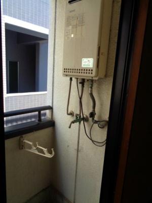 バルコニー 洗濯機置き場