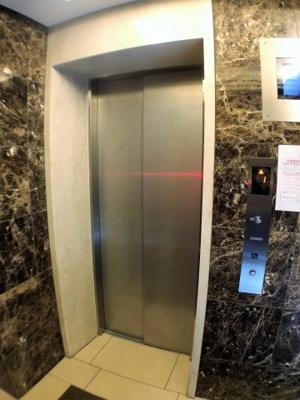 エレベーターは一基ご利用いただけます。