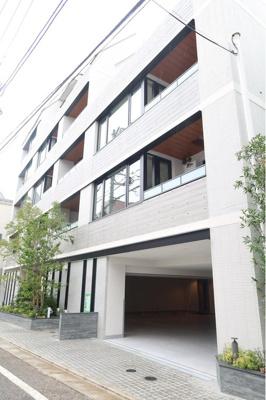 JR総武中央線「阿佐ヶ谷」駅徒歩約8分と便利な立地。