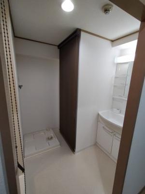 室内選択パンです。水回りが洗面室に集まっているので、便利ですね♪