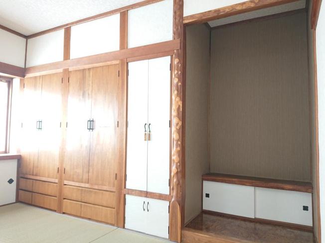 【リフォーム後写真】古い洗面化粧台は、リフォームで解体撤去し、新品のシャンプードレッサー仕様の洗面化粧台に交換致しました。