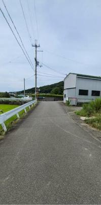【前面道路含む現地写真】和歌山市直川 売土地