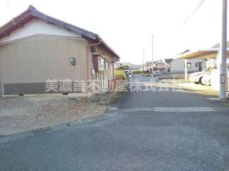 【前面道路含む現地写真】55755 岐阜市若福町中古戸建て