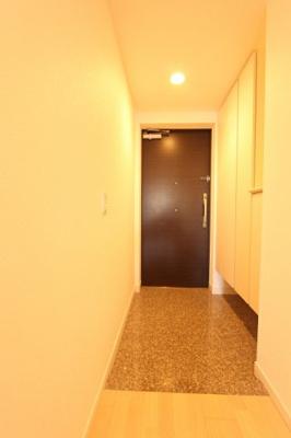 シンプルで使いやすい玄関です 三郷新築ナビで検索