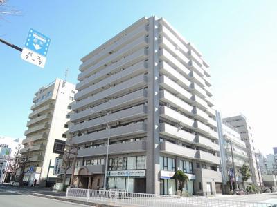 ブルーライン「伊勢佐木長者町」駅徒歩5分、JR京浜東北線「関内」駅徒歩7分 「石川町」駅徒歩7分。通勤時間の短縮でご家族と過ごす時間を増やす事が出来ます。