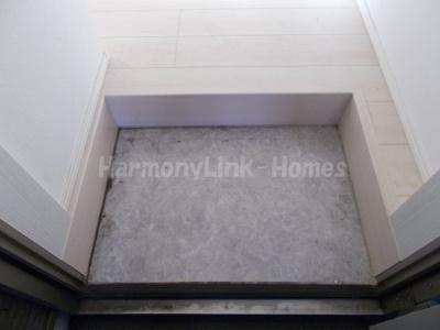 ハーモニーテラス浮間のゆったりとした玄関です(シンプルな仕様)☆