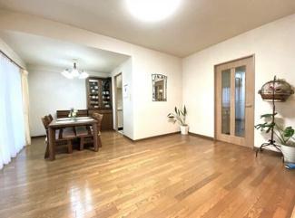 ファミール加納 中古マンション 室内大変キレイにお使いです。メガドンキホーテまで徒歩3分は嬉しいですね♪