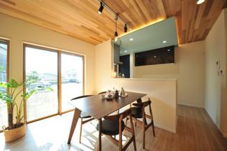 当社施工例です。外壁サイディングもお好きなデザインをお選びいただける自由設計