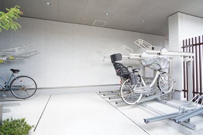 駐輪場は一台のみ無料で使用できます♪バイク置場は月極2,160円!
