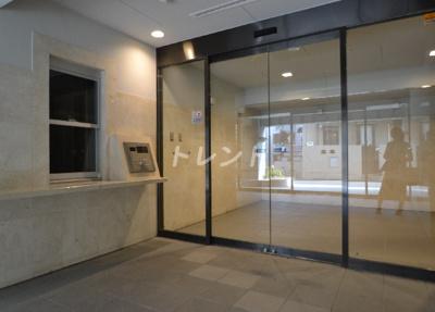 【エントランス】ラグジュアリーアパートメント西新宿