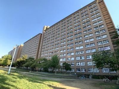 この物件はC棟になります。南向きバルコニー/陽当り良好! 9階・10階部分につき眺望良好!
