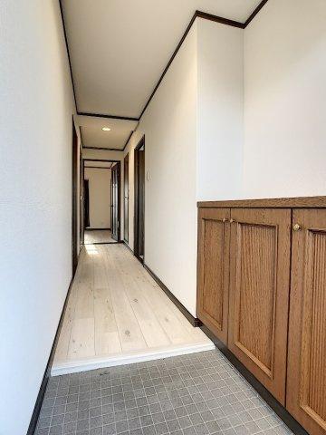 【玄関】アミティビブレ下関 303号室