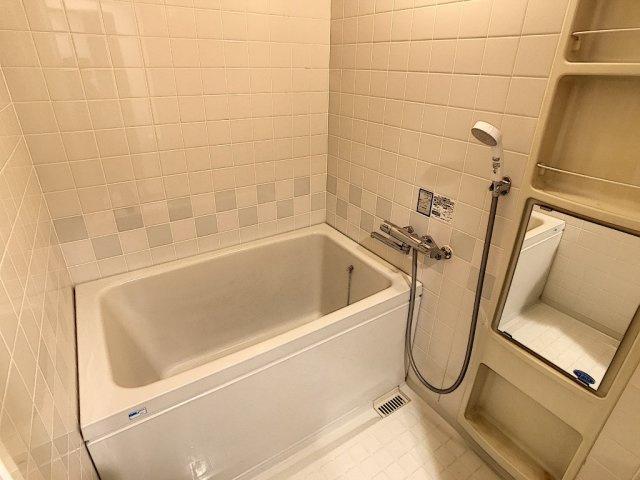 【浴室】アミティビブレ下関 303号室