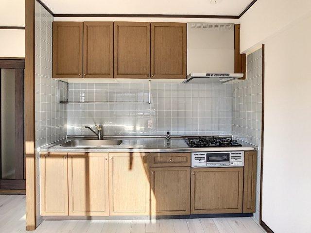 【キッチン】アミティビブレ下関 303号室