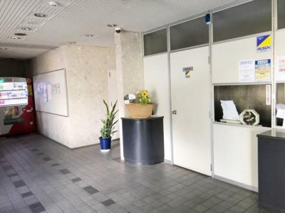 【エントランス】アミティビブレ下関 303号室