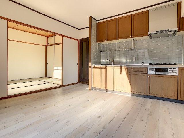 【居間・リビング】アミティビブレ下関 303号室