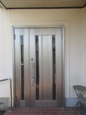 【玄関】神戸市垂水区神和台2丁目 中古戸建