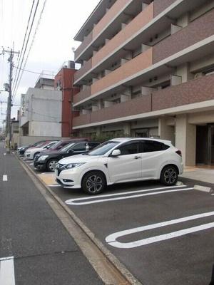 【駐車場】リヴ・フィ-ルド・京美