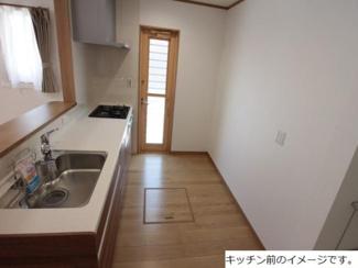 大垣市長松町 新築建売 全3棟 パントリー付き!家事動線を考えて使いやすくなっております。駐車場3台可能