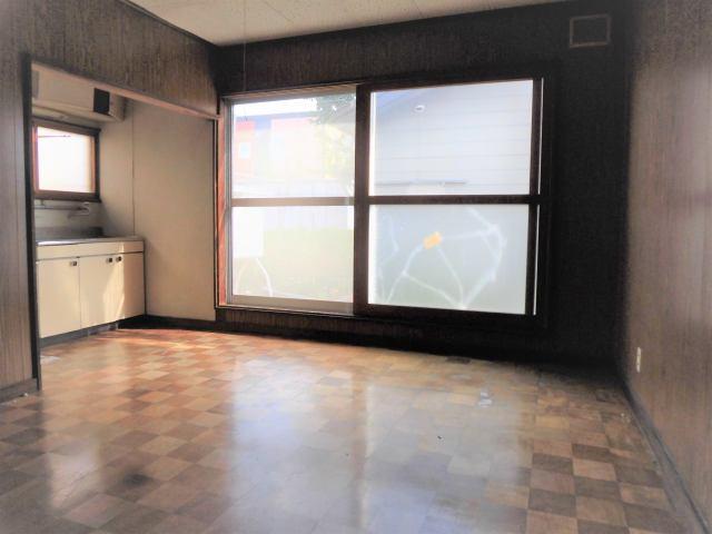 【居間・リビング】北見市高栄東町3丁目162番32 中古売家