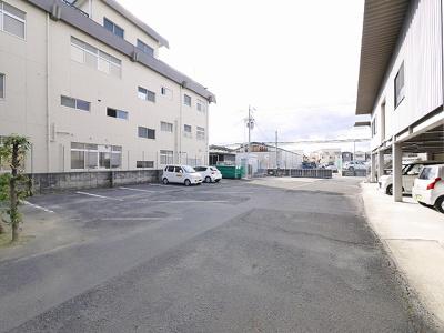 【駐車場】宅和建設ビル