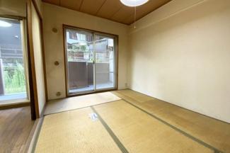 全室収納付きで片づけが出来てお部屋が広く使えますね。