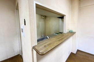 キッチンスペースとリビングが区切られているので、生活感の隠れるリビングになります。