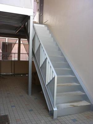 お部屋へのアクセスにご利用頂く共用の廊下です