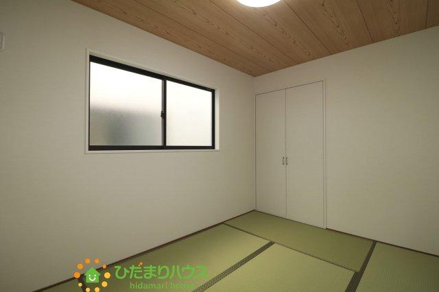 リビング横の和室はお子様のお昼寝や家事のスペースとしてご利用いただけます♪