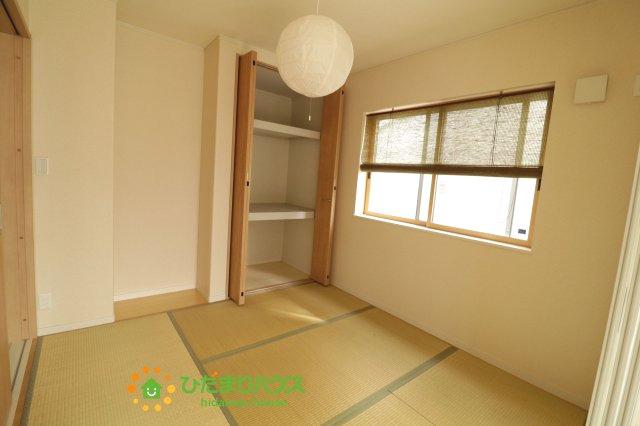 和室の収納は横開きクローゼット! しまった物の出し入れも楽々です!