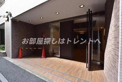 【エントランス】ドゥーエ新川