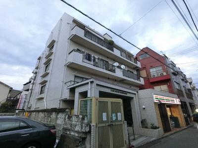 総戸数14戸、昭和63年10月築のマンションです。 専有面積61.08平米、3LDKのリフォーム済のお部屋となります。