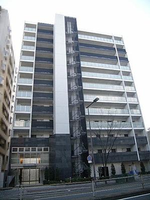 ◆2013年2月に竣工した12階建て総戸数76戸のマンションです。天然石とタイルを使用したスタイリッシュな外観です!