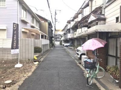 清閑な住宅街に位置しておりますので、安心して暮らしていただけます。
