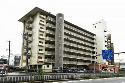 ◎大阪メトロ・京阪本線の3WAYアクセス可能な好立地です。 ◎小学校が近くお子様の通学が安心ですね♪ ◎周辺施設充実で生活至便な環境です。