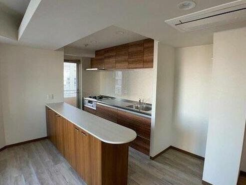 使いやすいキッチン キッチンスペースは十分な広さで冷蔵庫などもスッキリ置けます