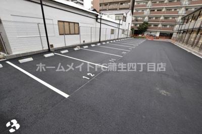 【駐車場】アドバンス大阪ブリアント