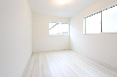 使い勝手のいい寝室です 三郷新築ナビで検索