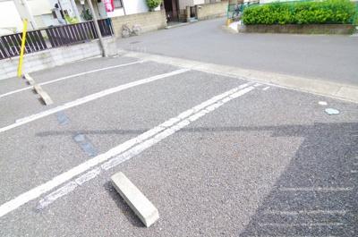 【駐車場】ハーモニーハイツ