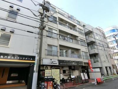 JR総武線「亀戸」駅徒歩約4分と便利な立地のマンションです。