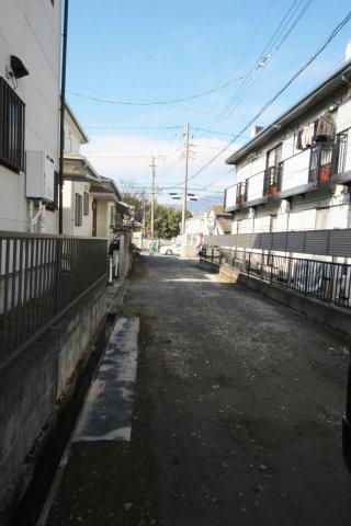 【周辺】伊勢原市粟窪 建築条件無し売地