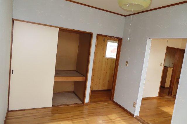 2階6帖洋室