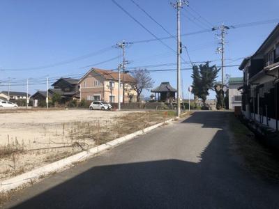 【前面道路含む現地写真】粟生町14号地