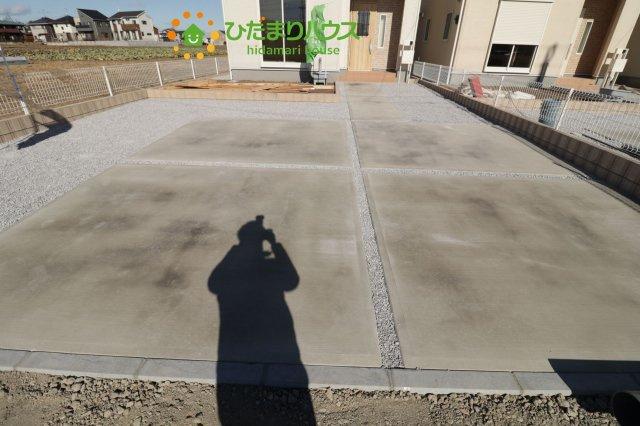 駐車スペース2台分ございます!!