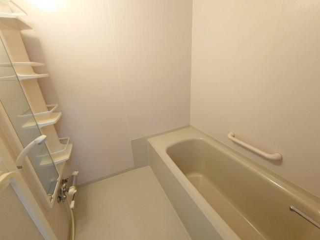 【浴室】北見市留辺蘂町旭西222番地116 中古売家